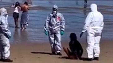 detinuta pe plaja femeie cu covid