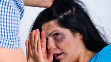 """Româncă abuzată de partenerul spaniol: """"Îi stingea țigări pe picioare și îi interzicea să vorbească limba română"""""""