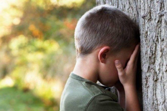 violat copil şase ani