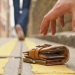 portofel pierdut bătrân