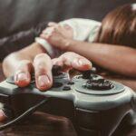 copil dependent de jocuri