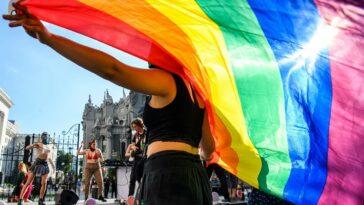 tanara spania homosexualitate